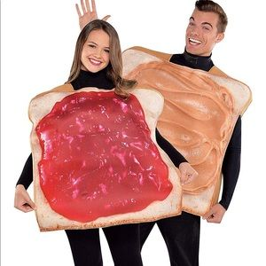 Couples Peanut Butter and Jelly Halloween Costumes